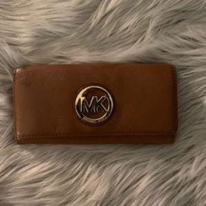🇺🇸Michael Kors Fulton Flap Continental Wallet